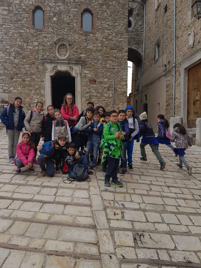 Gemellaggio tra le scuole primarie e Infanzia di Riccia e Lucito: l'antica tradizione della festa del   Majo unisce due realtà territoriali